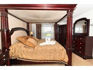 6 BR/4 BA Windsor Hills Home