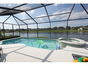 4 BR/3 BA Sunset Lakes Home